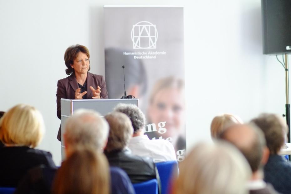 """Petra Kolmer sprach über """"Verlässliche Erkenntnis"""". © Ralph Schwägerl"""