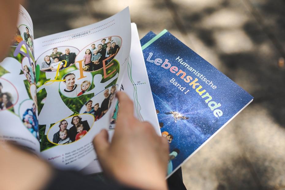 """Das Schulbuch """"Humanistische Lebenskunde, Band I"""" erreichte den 2. Platz im Wettbewerb."""