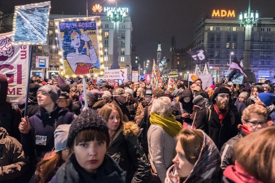 Foto: Grzegorz Żukowski (CC BY-NC 2.0)           Demonstration zum Internationalen Frauentag am 8. März 2018 in Warschau