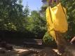 Dann wurde der Sand rübergeschwenkt und der Riesenbeutel aufgeschnitten