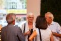 Andrea Käthner-Isemeyer (Abteilungsleiterin Gesundheit und Soziales) im Gespräch mit Gästen