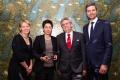 Vorstandsvorsitzende des Humanistischen Verbands Berlin-Brandenburg, Katrin Raczynski, mit der Preisträgerin Dunja Hayali, dem Vorsitzenden der Humanismus Stiftung, Manfred Isemeyer, und dem Laudator Ingo Zamperoni (v.l.n.r.)