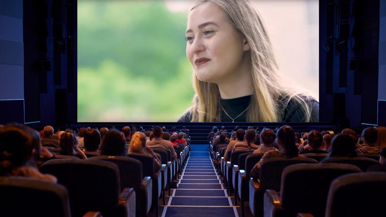 Die EINE_R VON UNS-Videos laufen im Frühjahr und im Herbst auch in zahlreichen Kinos in Berlin und Brandenburg
