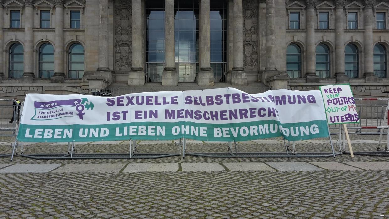 Aktionstag am 15.5.21 vor dem Reichtstag