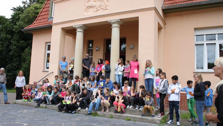 Gemeinsames Fest von Lebenskundeschüler*Innen und Flüchtlingskindern