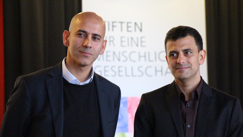 2015 wurden der Deutsch-Palästinenser Mohamed Ibrahim und der Israeli Shemi Shabat für ihre Aufklärungs- und Bildungsarbeit zum Nahostkonflikt an Schulen ausgezeichnet.