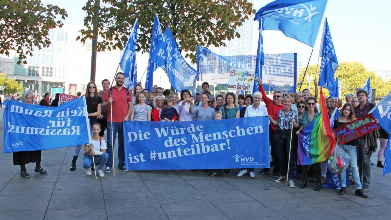 Mit einer großen Delegation haben auch zahlreiche Mitglieder unseres Verbandes, der Jugendverbände und der Regionalverbände in Bernau, Königs Wusterhausen, Potsdam und Märkisch-Oderland an der #unteilbar-Demonstration teilgenommen.
