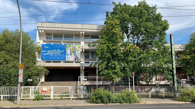 Aus der ehemaligen Australischen Botschaft in Pankow soll bis zum Schuljahr 2021/22 ein humanistischer Bildungscampus mit Kita und Grundschule werden.