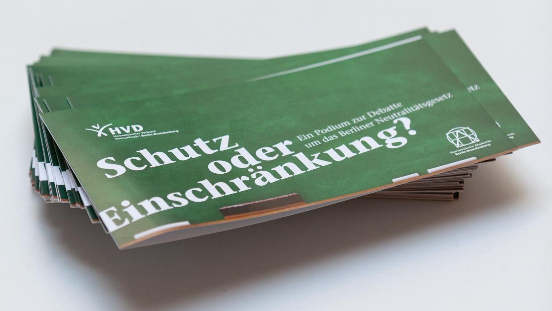 Schränkt das Berliner Neutralitätsgesetz das Recht auf Selbstbestimmung und die individuelle Religionsfreiheit unzulässig ein?