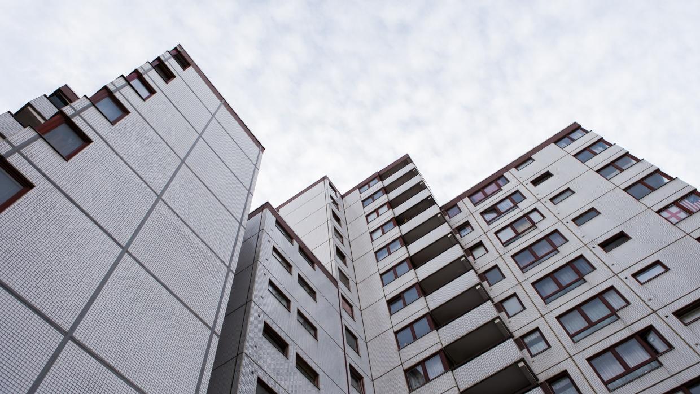 Mieten in schwindelerregender Höhe - Welche Wege aus der Wohnungskrise gibt es?