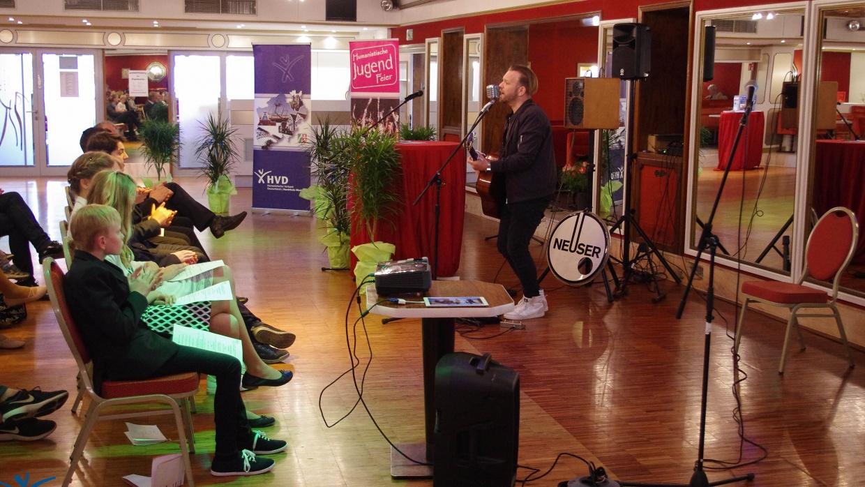 Henning Neuser macht Musik
