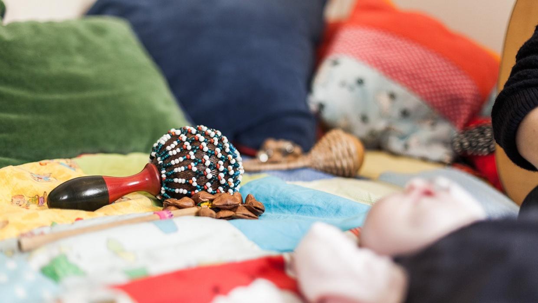 Musiktherapie ist selbst für die Kleinen und Kleinsten beruhigend und tut gut.