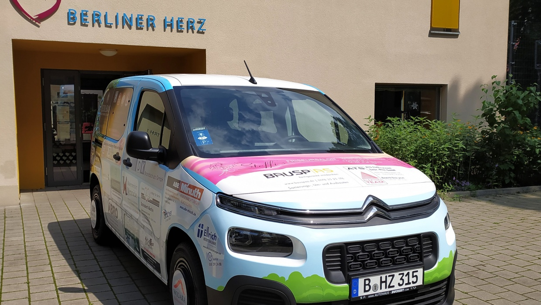 Für die Gäste und ihre Familienangehörigen im Berliner Herz schafft das Auto neue Möglichkeiten.