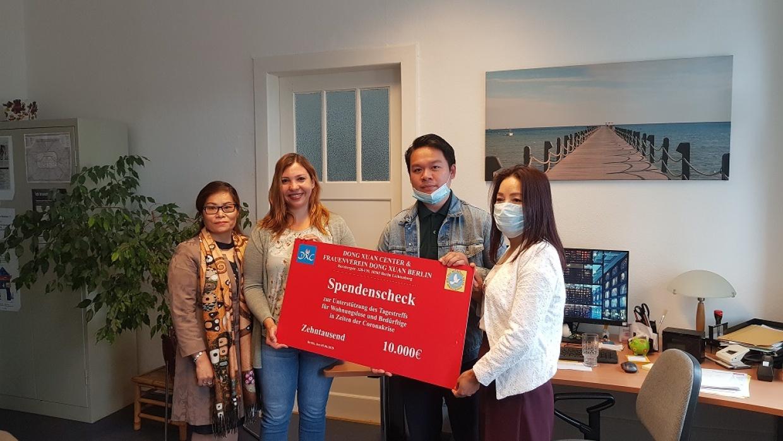 Unser TagesTreff für Wohnungslose und Bedürftige freut sich über die große Spende des Dong Xuan Center Berlin