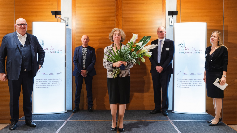 Uwe-Johnson-Preisverleihung mit Markus Frank, Prof. Carsten Gansel, Irina Liebmann, Ulrich Zschocke und Dr. Veronika Luebke (v. l. n. r.)