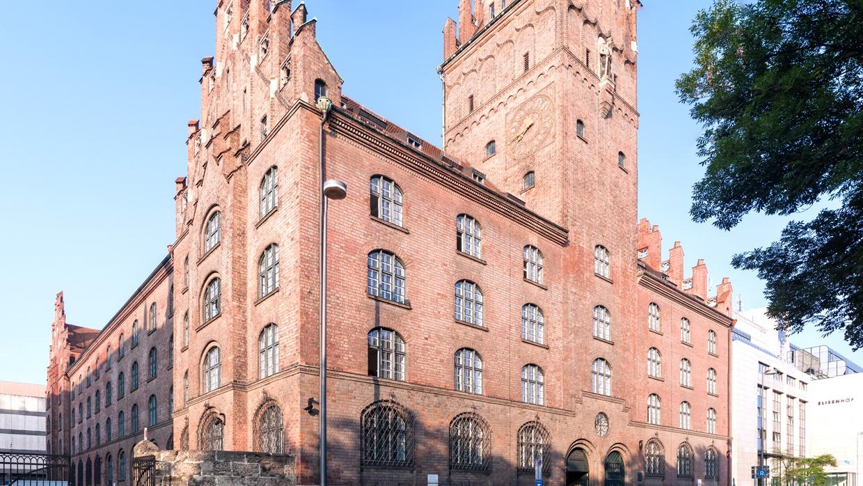 Justizgebäude Prielmayerstraße 5 in München mit Oberlandesgericht München und Bayerischem Verfassungsgerichtshof | (CC BY-SA 3.0 DE)