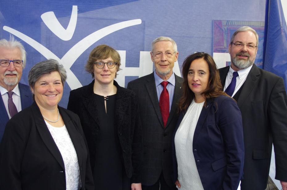VlnR: Jürgen Springfeld (Ehrenpräsident HVD NRW), Heike Horka (Sprecherin Region Dortmund), Henrike Lerch (Sprecherin Region Wuppertal), Erwin Kress (Präsident HVD NRW), Susanne Petersen (Sprecherin Region Köln), Johannes Schwill (Sprecher Region Bochum)