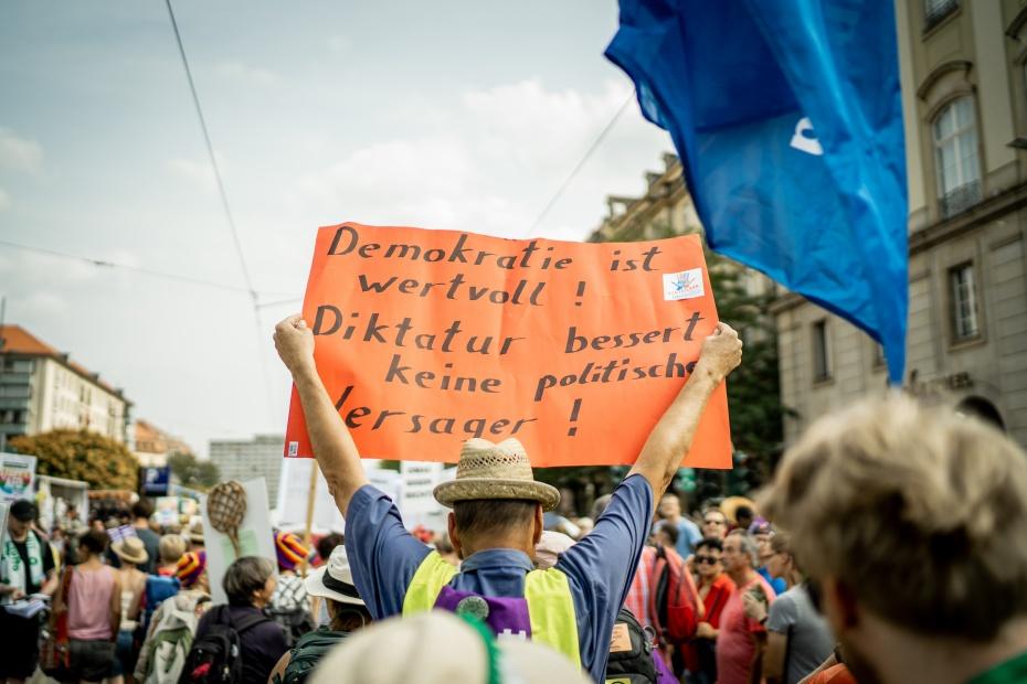Demonstrierende bei #unteilbar in Dresden Ende August 2019